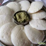 Soft Idli that are served with chutney