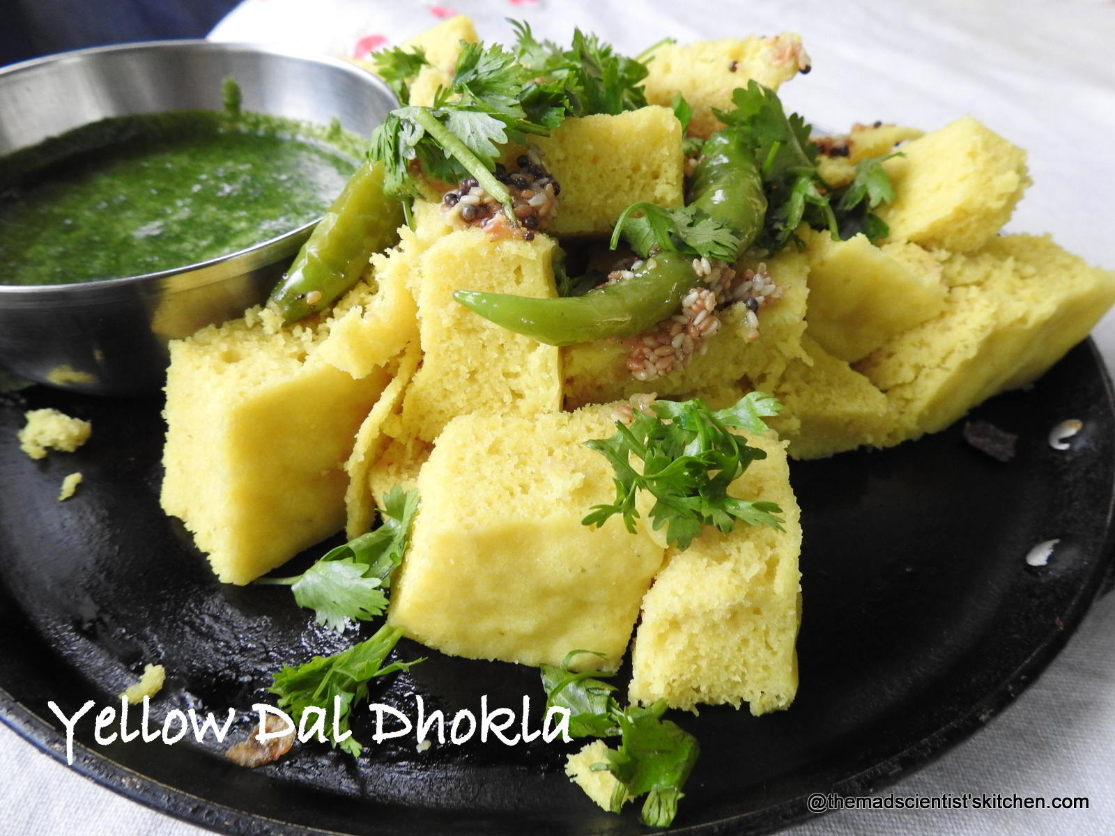 Mung dal dhokla, Yellow gram steamed savoury cakes