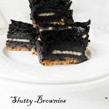 slutty brownies, brownies with cookies, oreo